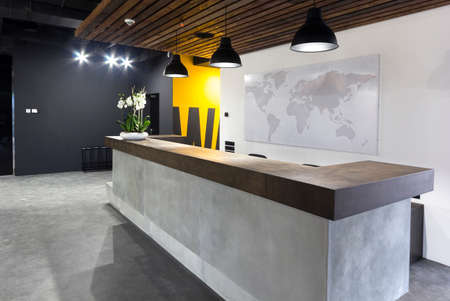Foto de Modern office interior - reception area in modern business office - Imagen libre de derechos