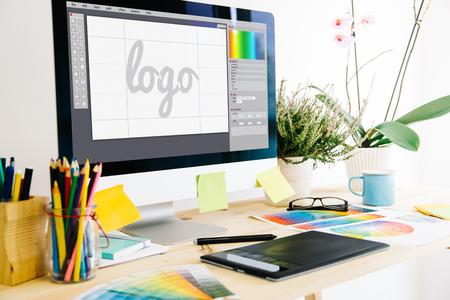 Foto de Graphic design studio logo - Imagen libre de derechos