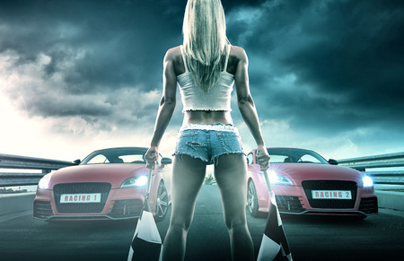 Foto per Sexy blonde woman starts racing - Immagine Royalty Free