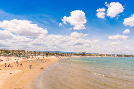 Foto de Coastline Costa Dorada, beach in La Pineda, Tarragona, Catalunya, Spain. Copy space for text - Imagen libre de derechos