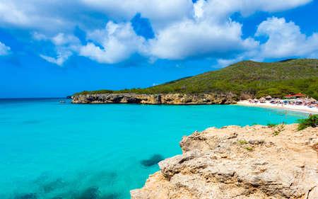 Foto de Paradise beach Grote Knip on tropical caribbean island, Curacao, Netherlands. Copy space for text - Imagen libre de derechos