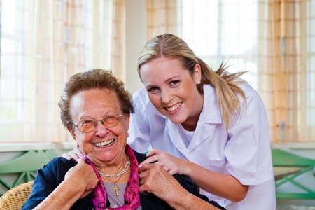 Photo pour a nurse home care visits a patient - image libre de droit