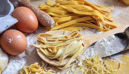 Foto de Fresh pasta homemade preparation - Imagen libre de derechos