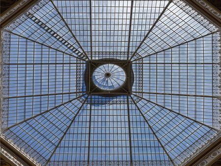 Photo pour Glass Skylight of Palácio da Bolsa do Porto, Portugal - image libre de droit