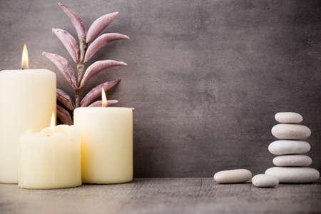 Foto de Stones spa treatment scene, zen like concepts. - Imagen libre de derechos