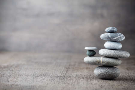 Photo pour Spa stones treatment scene, zen like concepts. - image libre de droit