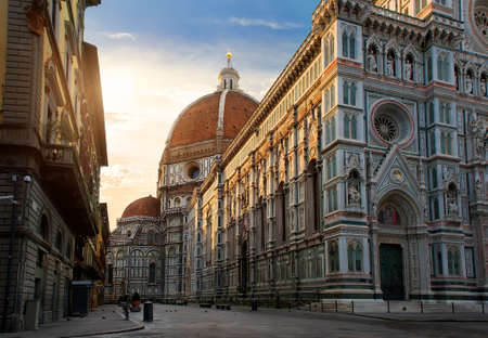 Photo pour Piazza del Duomo - image libre de droit