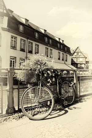 Photo pour Bicycle in Strasbourg - image libre de droit