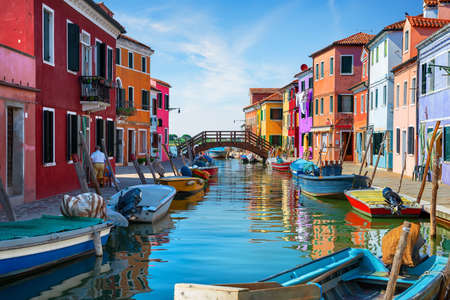 Photo pour Traditional Burano architecture - image libre de droit