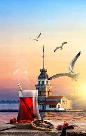 Foto de Tea and Maiden Tower - Imagen libre de derechos