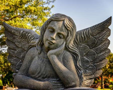 Foto de Houston TX USA 8/15/2015:  Grave Marker for a child at Forest Park Cemetery - Imagen libre de derechos
