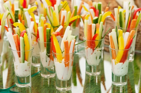Photo pour Appetizers served in a modern style - image libre de droit