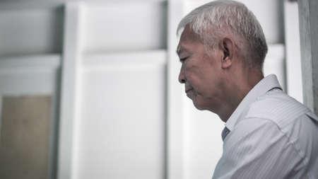 Photo pour Asian senior elderly man worry about health medication at hospital - image libre de droit