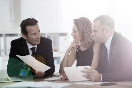 Foto de Manager with sales team meeting in office - Imagen libre de derechos