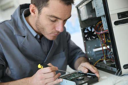 Foto de Technician fixing computer hardware - Imagen libre de derechos