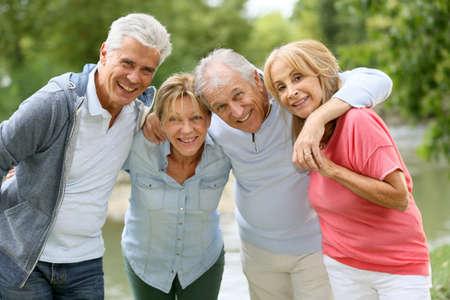Foto de Senior couples having a good time in countryside - Imagen libre de derechos