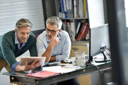 Photo pour Business people in office meeting for project - image libre de droit