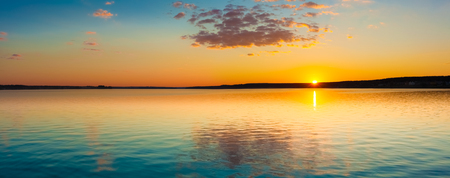 Foto de Amazing sunset over the sea. Panorama - Imagen libre de derechos