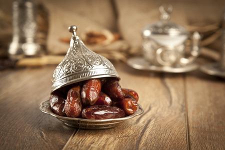 Foto de Dried date palm fruits or kurma, ramadan ( ramazan ) food - Imagen libre de derechos