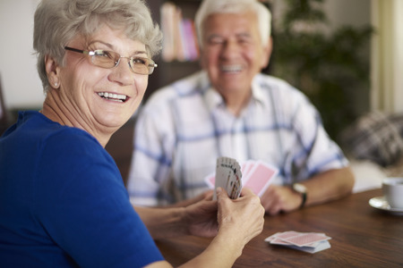 Photo pour We are never too old to play cards - image libre de droit