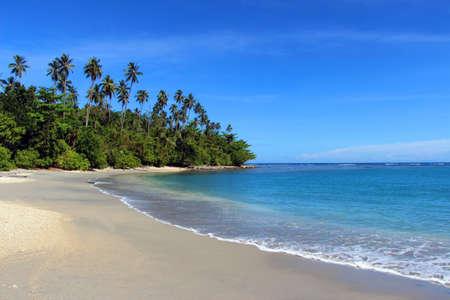 Foto de Tropical Beach, Solomon Islands - Imagen libre de derechos