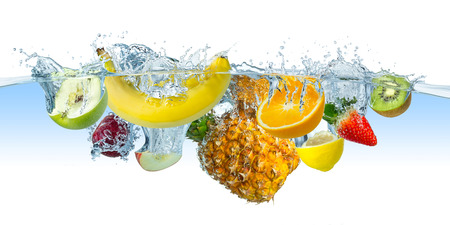 Photo pour many fruits splashes into water - image libre de droit