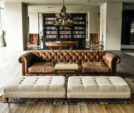 Foto de Interior in retro style with wooden floors - Imagen libre de derechos
