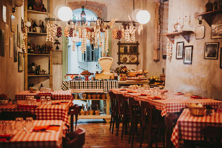 Photo pour View of a small local restaurant or trattoria in Italy - image libre de droit
