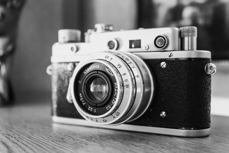 Foto de MINSK, BELARUS - January 18, 2010: Russian Soviet Vintage Camera Zorkiy 2-S. Zorki 2-S is small-format rangefinder camera introduced in 1956 by KMZ factory in Russia. - Imagen libre de derechos