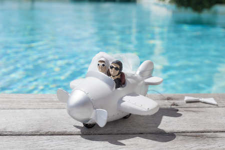 Photo pour Honeymoon travel concept - image libre de droit