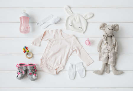 Photo pour Set of clothing and items for a baby - image libre de droit