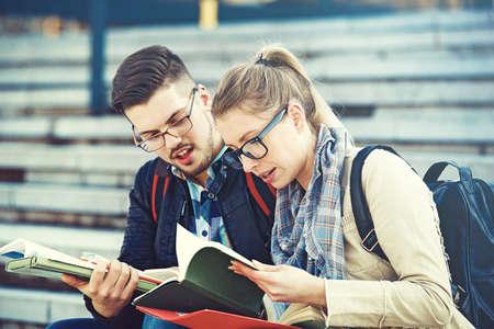 Photo pour Student couple happy because of succesful graduation. - image libre de droit