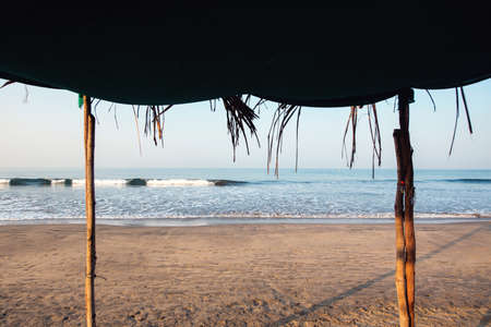 Foto de Ocean view from under the tent. Arambol, India - Imagen libre de derechos