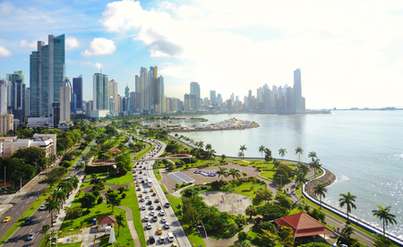 Photo pour Aerial view of the modern skyline of Panama City , Panama - image libre de droit