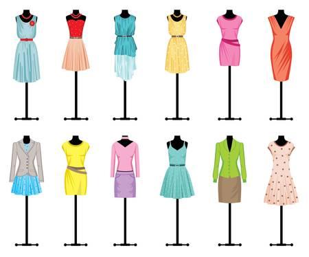 Photo pour Mannequins with women s clothing - image libre de droit