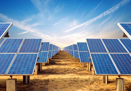 Photo pour In the evening, when the solar panels - image libre de droit