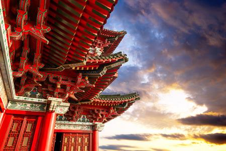 Photo pour Chinese ancient architecture, Nanchang Poetic local evening landscape. - image libre de droit