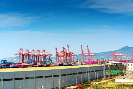 Foto per Large container terminal, Lianyungang, China. - Immagine Royalty Free