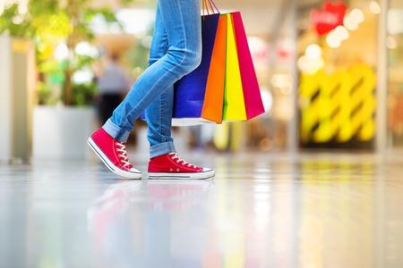 Foto de Girl shopping - Imagen libre de derechos