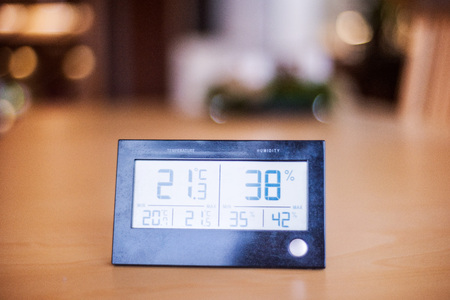 Photo pour A meteostation on the table. - image libre de droit