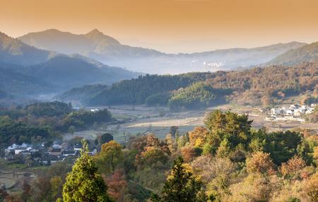 Photo pour Tachuan autumn scenery at China Anhui Huangshan City Yixian County. - image libre de droit