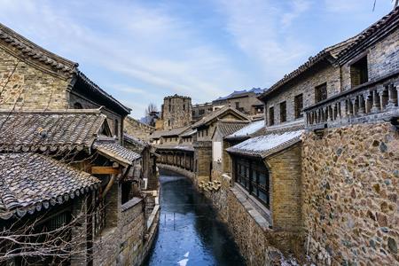 Photo pour Landscape view of Gubei ancient town - image libre de droit