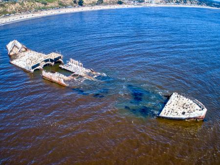 Foto de An aerial shot of the cement ship, SS Palo Alto, beached at Seacliff-Aptos. - Imagen libre de derechos