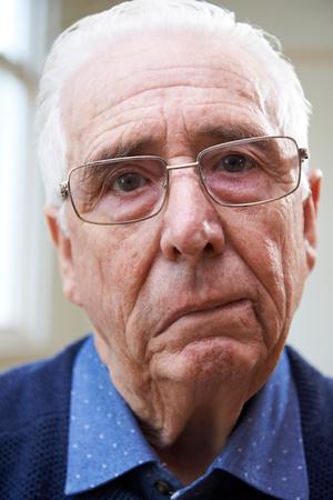 Photo pour Portrait Of Senior Man Suffering From Stroke - image libre de droit
