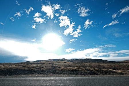Photo pour driving on the way from Lake tekapo to Mt Cook Valley - image libre de droit