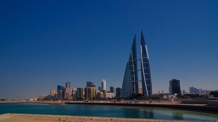 Photo pour panorama cityscape view to Manama city in Bahrain - image libre de droit