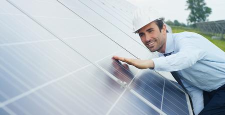 Photo pour Photovoltaic solar panels. Concept: renewable energy, technology, electricity, service, green power. - image libre de droit