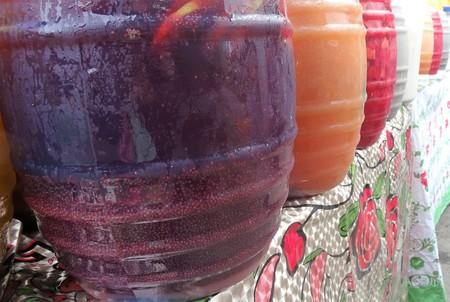 Foto de Resfreco fresh waters for sale in a market - Imagen libre de derechos