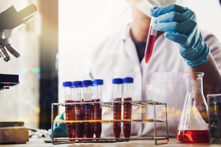 Foto de laboratory research and development concept with lab glassware - Imagen libre de derechos