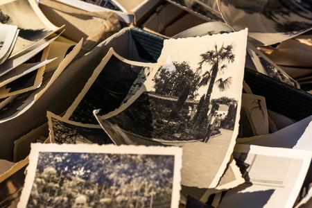 Photo pour Old Box of Photos Edges Worn Collection Vintage History Family Nostalgia - image libre de droit